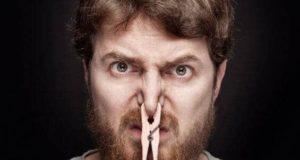 أسباب رائحة القضيب الكريهة وعلاجها والوقاية منها