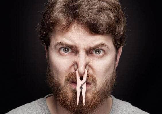 أسباب رائحة القضيب الكريهة وعلاجها بسهولة